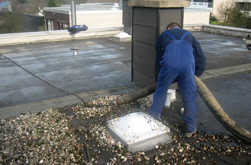 Saugarbeiten Dach